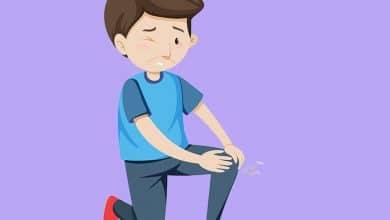 Foto de 6 possíveis causas da dor nas pernas ao deitar